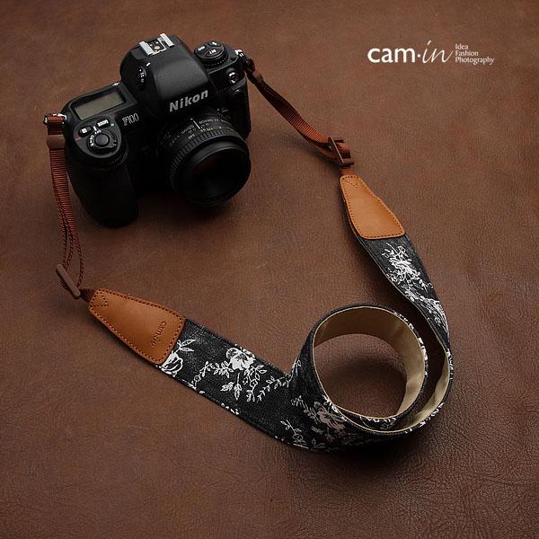 สายคล้องกล้องลายสวยๆ cam-in Blossom Night