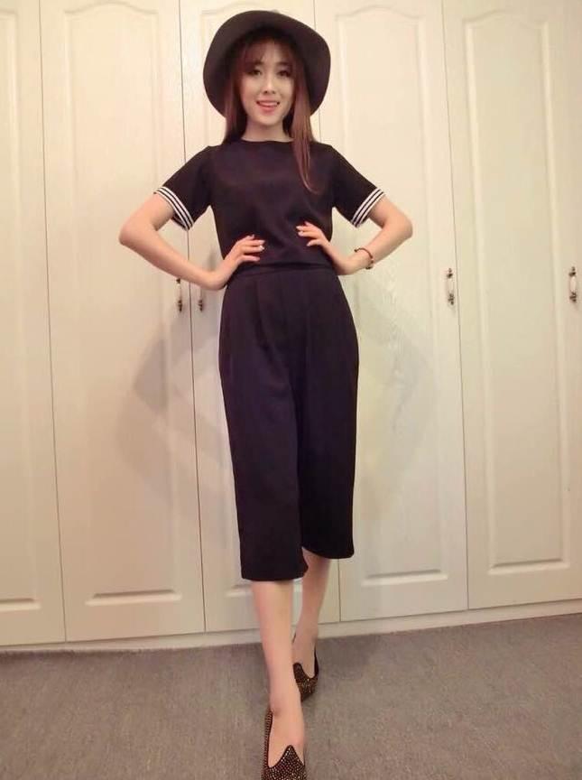ชุด 2 ชิ้น เสื้อแฟชั่นคอกลม + กางเกงแฟชั่น สีดำ