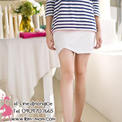 กระโปรงคลุมท้องสีขาวผ้ายืด มีผ้ารองรับหน้าท้อง และผ้าพยุงครรภ์ค่ะ