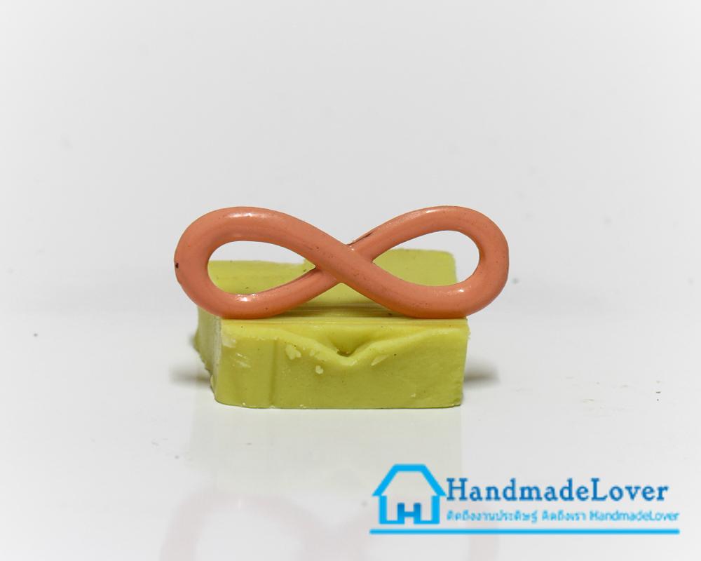 จี้โลหะ สีส้มพาสเทล รูปอินฟินิตี้ (infinity)