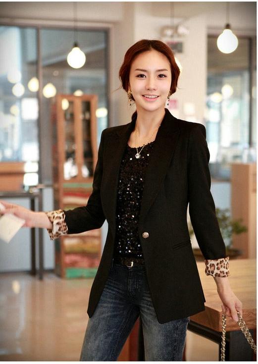 (สินค้าหมด) เสื้อสูทแฟชั่นผู้หญิง เสื้อสูททำงานสีดำ แขนยาว ตัวยาว ซับในลายเสือ สุดเท่ห์