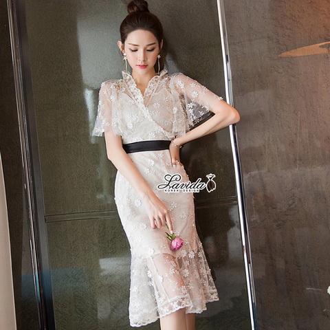 เดรสเกาหลีผ้าปักเสื้อคอ V