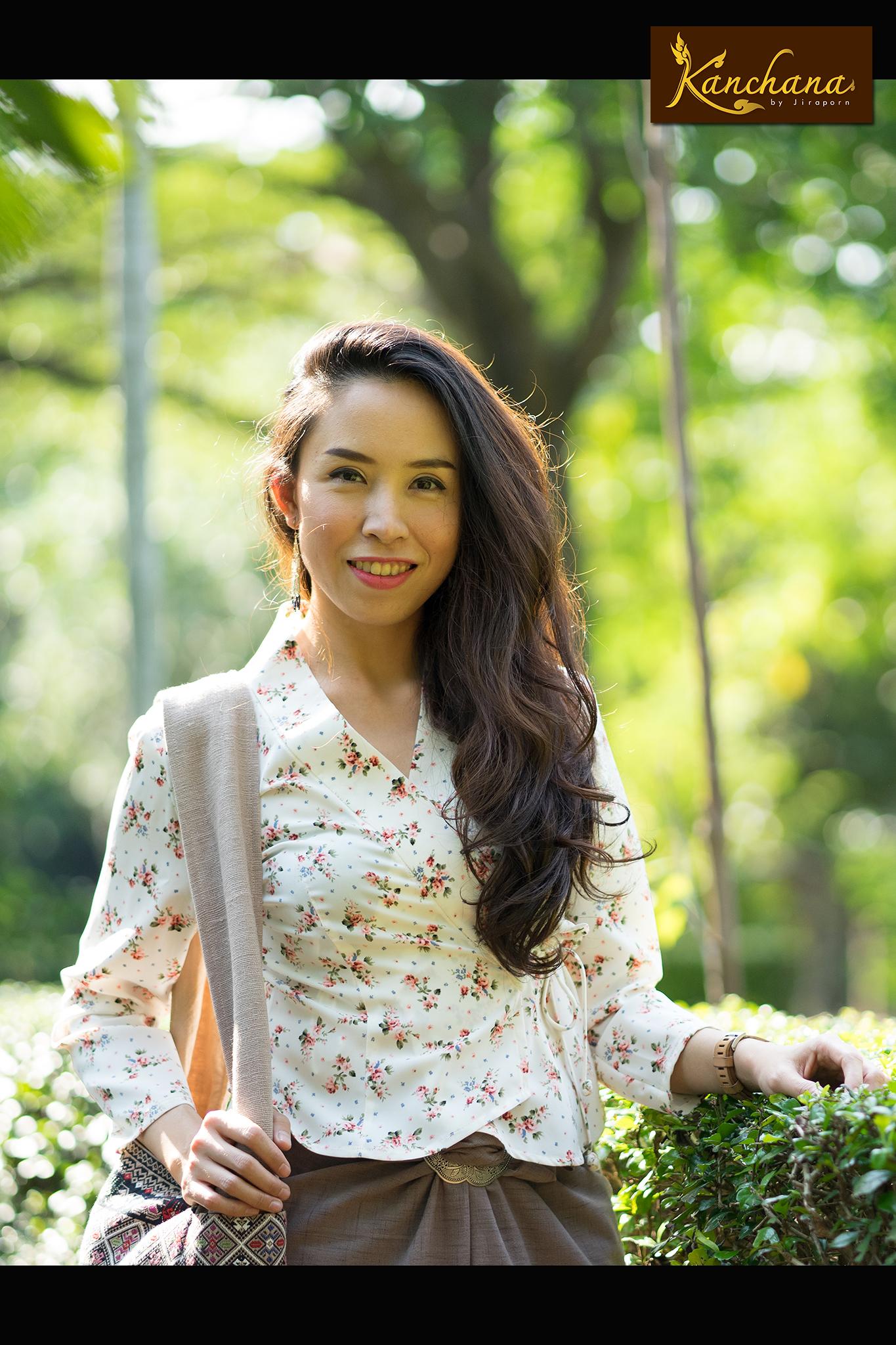 KJ005 เสื้อลายดอกผ้าเกาหลี