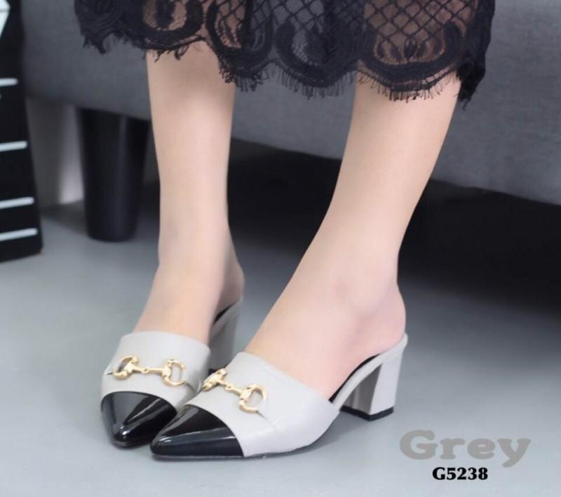 รองเท้าส้นตันหัวแหลมสีเทา เปิดส้น สไตล์แบรนด์ GUCCI (สีเทา )