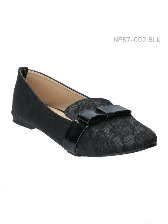 รองเท้าคัทชูส้นแบน ทรงLoafer แต่งลายลูกไม้ (สีดำ )