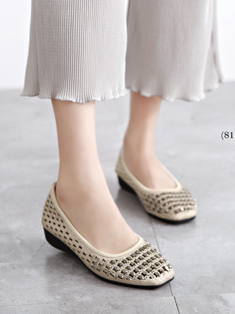 รองเท้าคัทชูส้นเตารีด หัวตัดฉลุลาย (สีทอง)