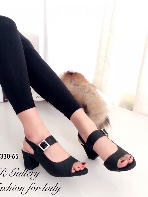 รองเท้าส้นสูง รัดส้น สายคาดเข็มขัดปรับระดับได้ ส้นเหลี่ยม (สีดำ )
