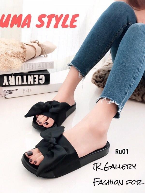 รองเท้าแตะผู้หญิง แบบสวม ผ้าซาติน แต่งโบว์ (สีดำ )