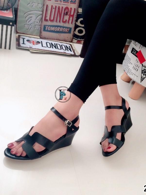 รองเท้าส้นเตารีดแบบรัดข้อเท้า สไตล์H (สีดำ )