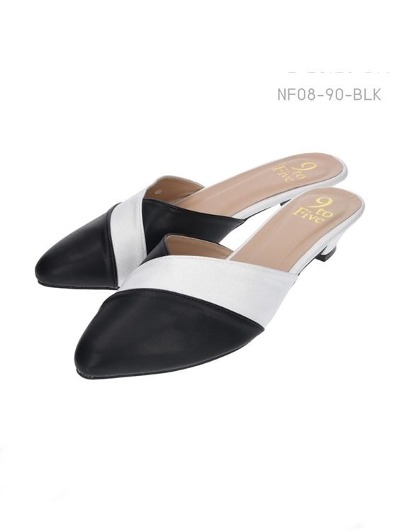 รองเท้าแตะส้นเตี้ย ทรง Pointed Toe (สีดำ)