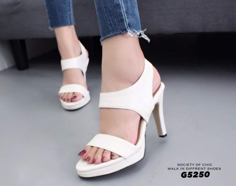 รองเท้าส้นเข็มรัดส้นสีครีม หนังนิ่ม สายคาดสองระดับ (สีครีม )