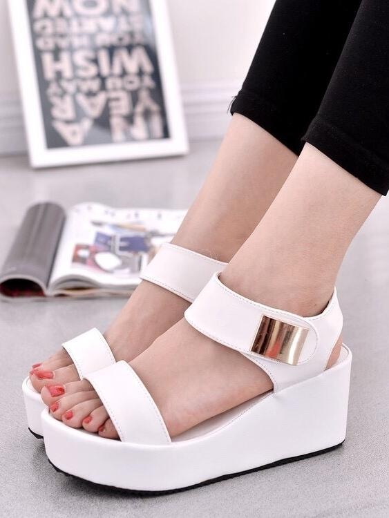 รองเท้าส้นเตารีดแบบรัดข้อ สไตล์ Korea (สีขาว )