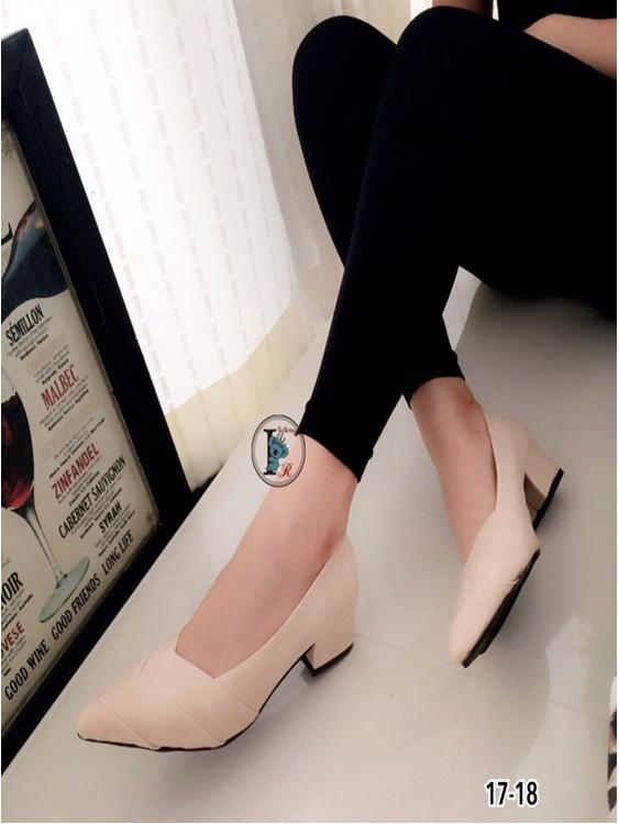 รองเท้าคัทชูหนัง หัวแหลม (สีครีม )