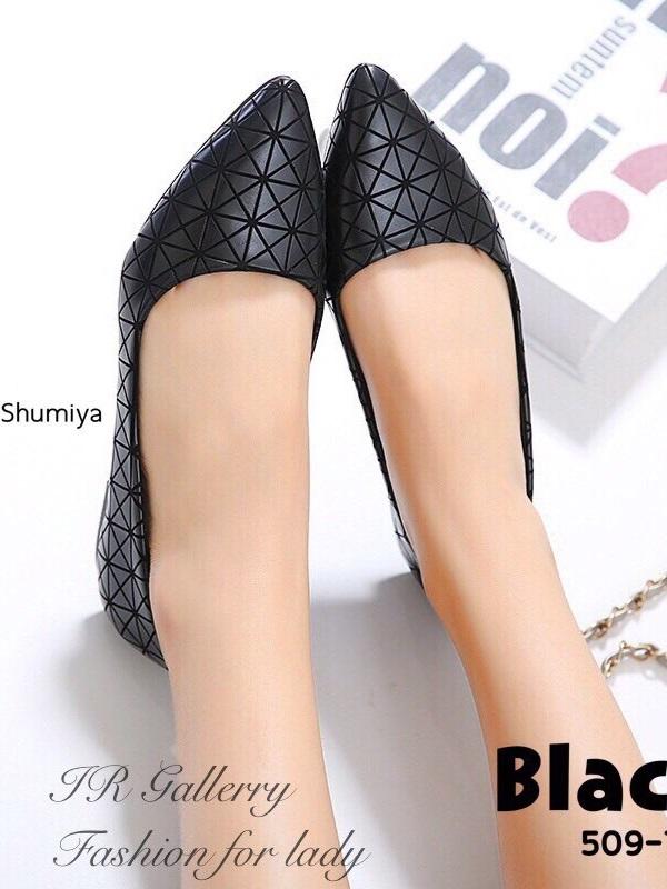 รองเท้าคัทชูส้นแบน หัวแหลม หนังพียูนิ่ม ลายBaoBao (สีดำ )