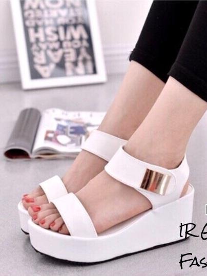 รองเท้าส้นเตารีดรัดข้อสีขาว แต่งสายรัดส้นแบบเมจิคเทป (สีขาว )