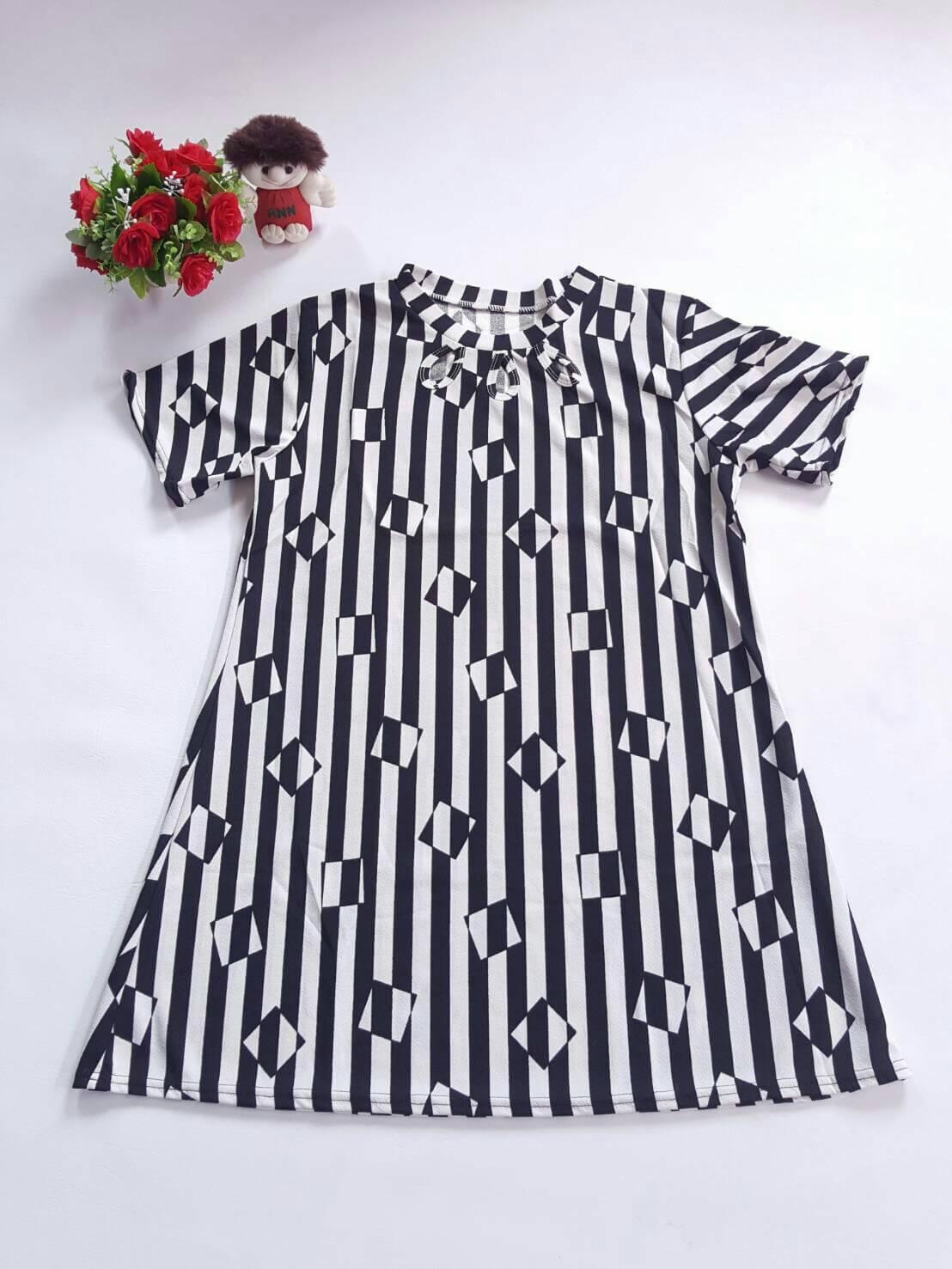 DRESS ไซส์อวบ อก 42 เดรส ผ้าผ้าทอหนังไก่ เนื้อผ้ายืดหยุ่นดี อก42 - 46 ยาว 33 สีดำ