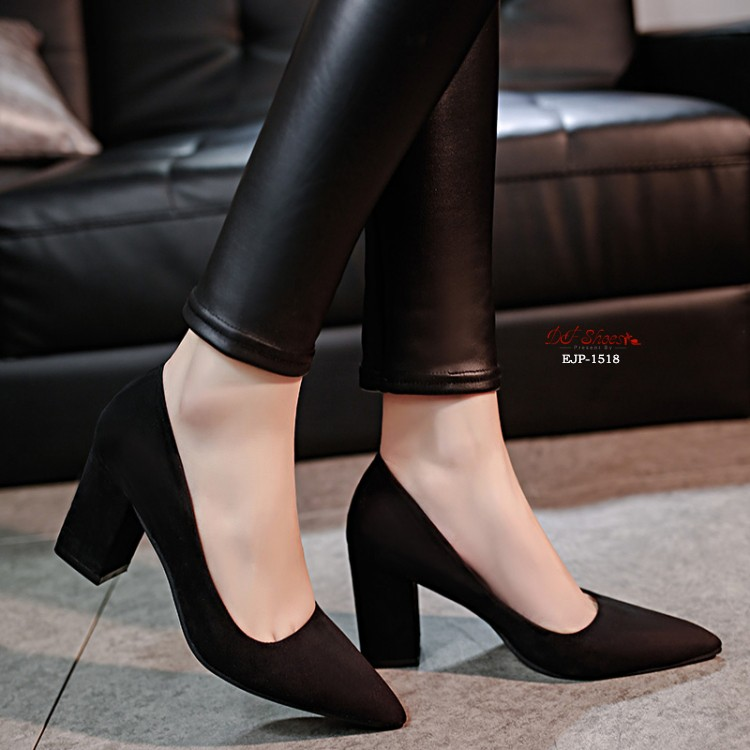 พร้อมส่ง รองเท้าคัทชูส้นตันสีดำ หัวแหลม ผ้าสักหราด แฟชั่นเกาหลี [สีดำ ]