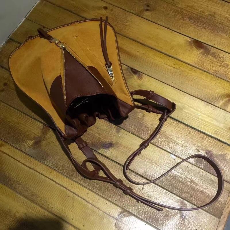 กระเป๋าสะพายแฟชั่น กระเป๋าสะพายข้างผู้หญิง Celine หนังล้วน/หนังกลับ [สีเหลือง]