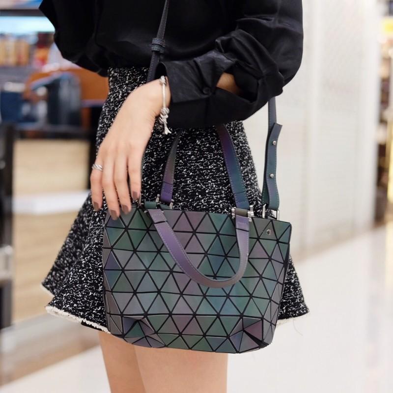กระเป๋าสะพายแฟชั่น กระเปาสะพายข้างผู้หญิง Barel mini สีรุ้ง Logo [สีรุ้ง ]