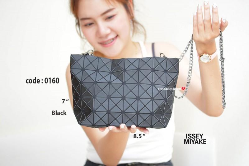กระเป๋าสะพายแฟชั่น กระเป๋าสะพายข้างผู้หญิง ISSEY MIYAKE BAO BAO (BLOCK) [สีดำ ]