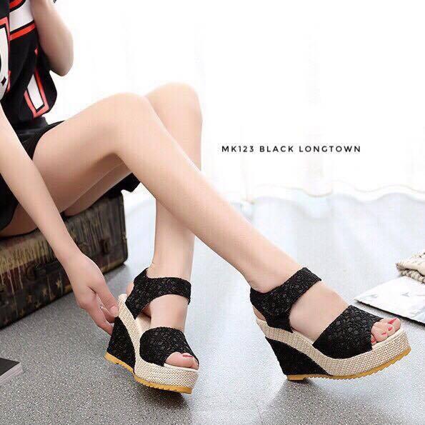พร้อมส่ง รองเท้าส้นเตารีด รัดส้น ผ้าลูกไม้ สไตล์เกาหลี แฟชั่นเกาหลี [สีดำ ]