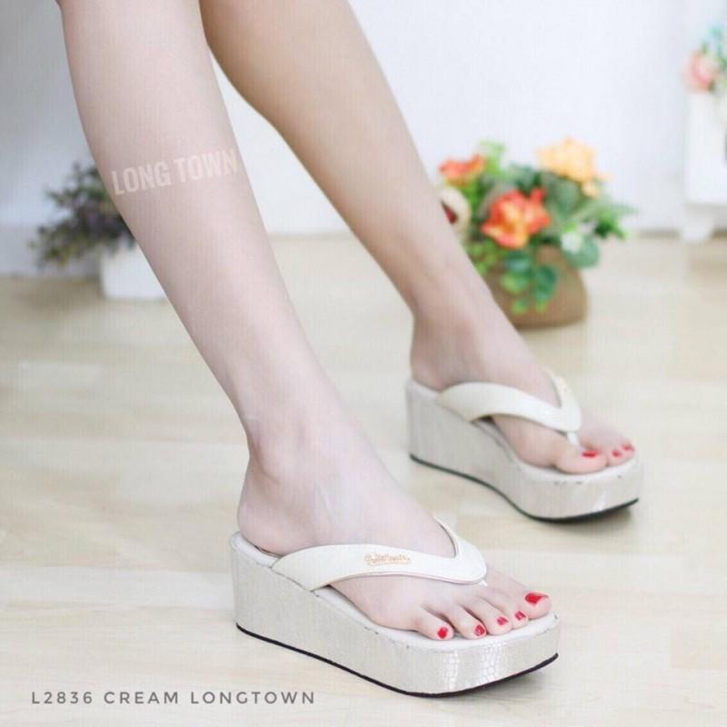 รองเท้าแตะ ส้นเตารีด แบบคีบ ส้นลายหนังจระเข้ (สีครีม )
