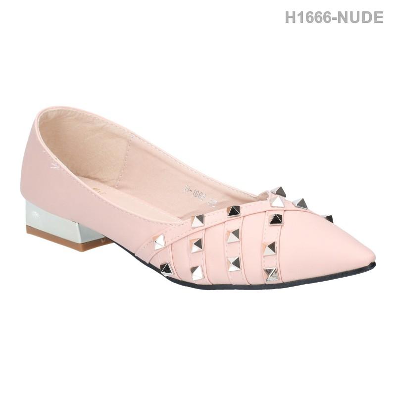 รองเท้าคัทชู ส้นเตี้ย หัวแหลม ประดับหมุด (สีนู๊ด )
