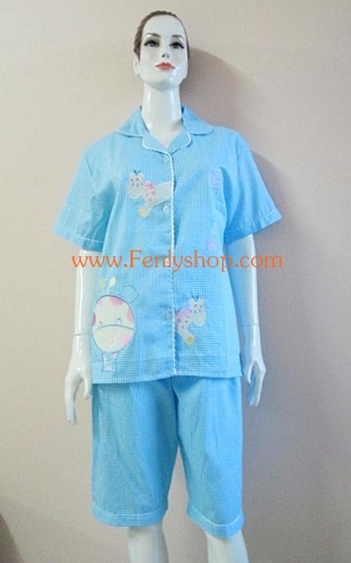 ชุดนอน(ญ)ขาสามส่วนแขนสั้น ผ้า Cotton แบบลายสก๊อตปักลายยีราฟ น่ารัก สีฟ้าสดใส ฟรีไซส์