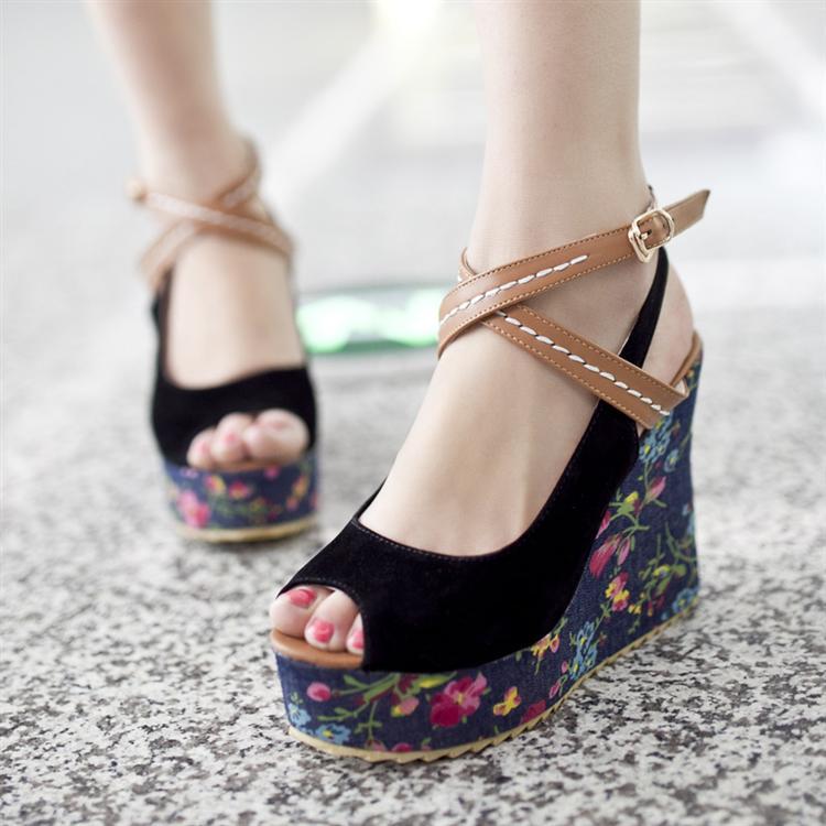 Preorder รองเท้าแฟชั่น สไตล์เกาหลี 34-43 รหัส 9DA-8571