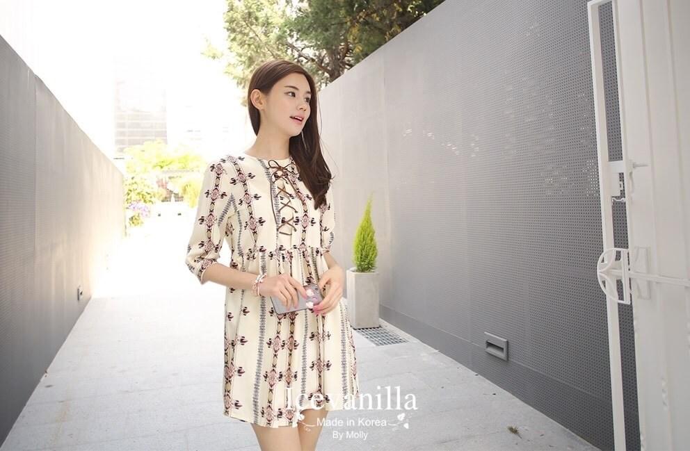 Amelie Dress ผ้าพิมพ์ลาย สีครีม