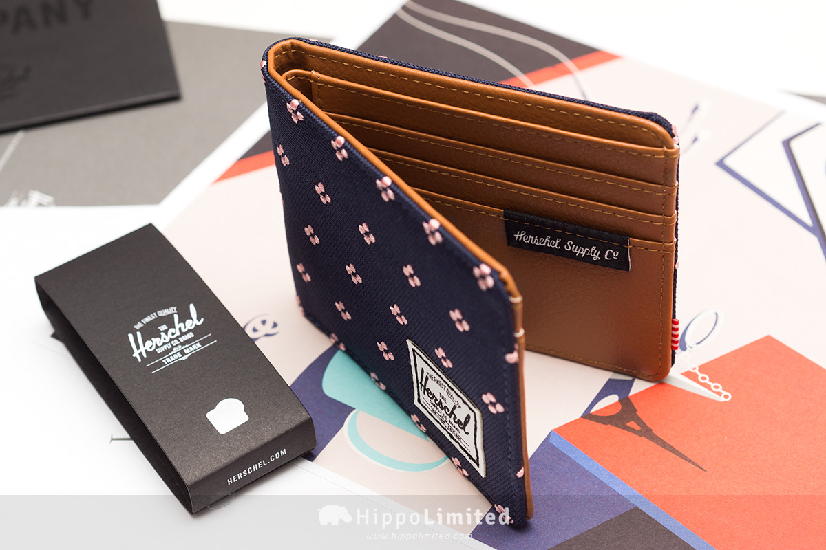 กระเป๋าสตางค์ Herschel Hank Wallet - Peacoat Embroidery ด้านในหนังสีน้ำตาล