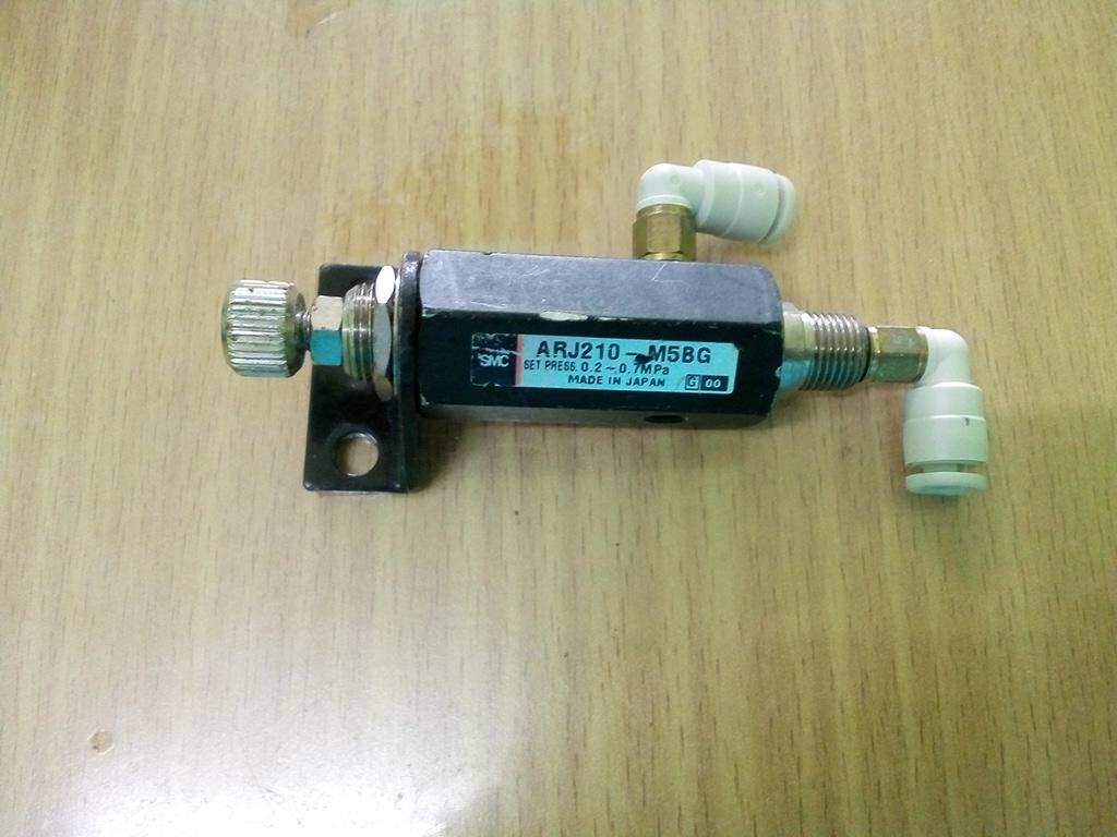 วาล์วลม Regulaor ARJ210-M5BG สินค้ามือ 2
