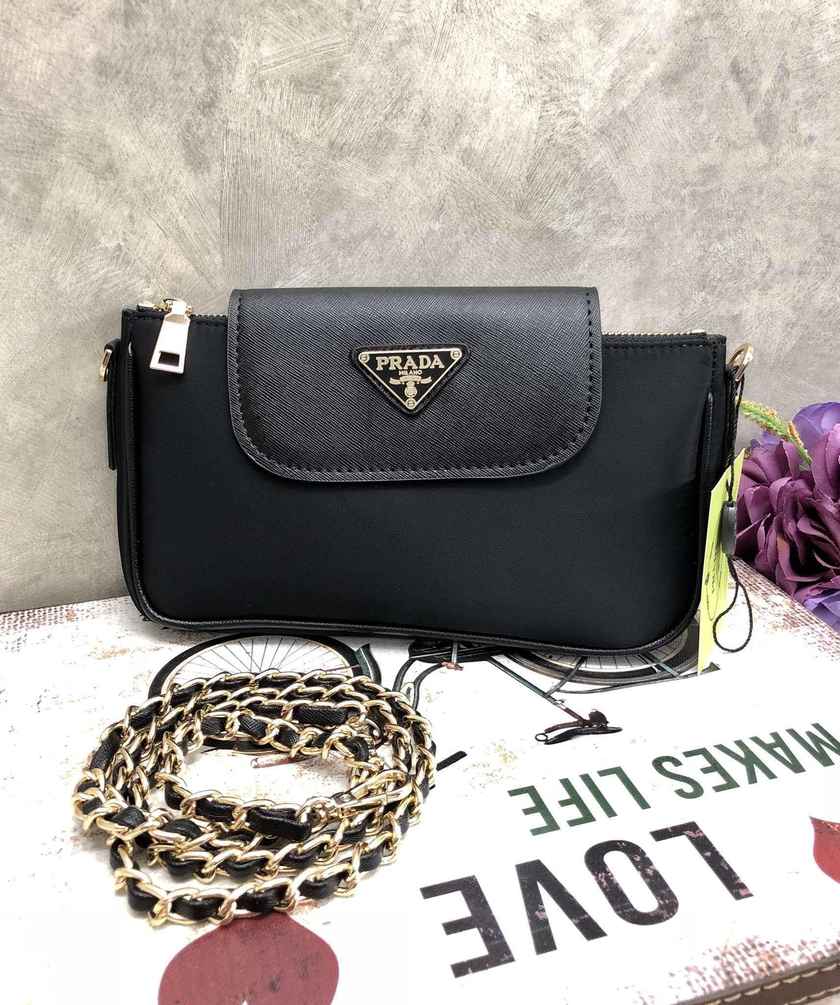 Prada Primium gift กระเป๋าสะพายข้างหรือถอดสาย*สีดำ