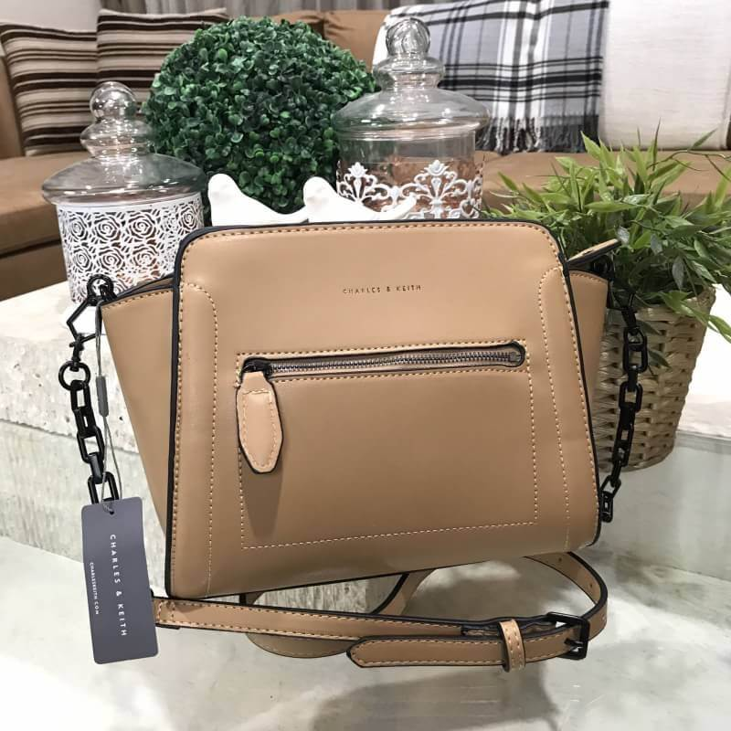 CHARLES & KEITH TRAPEZE CROSSBODY BAG *น้ำตาล
