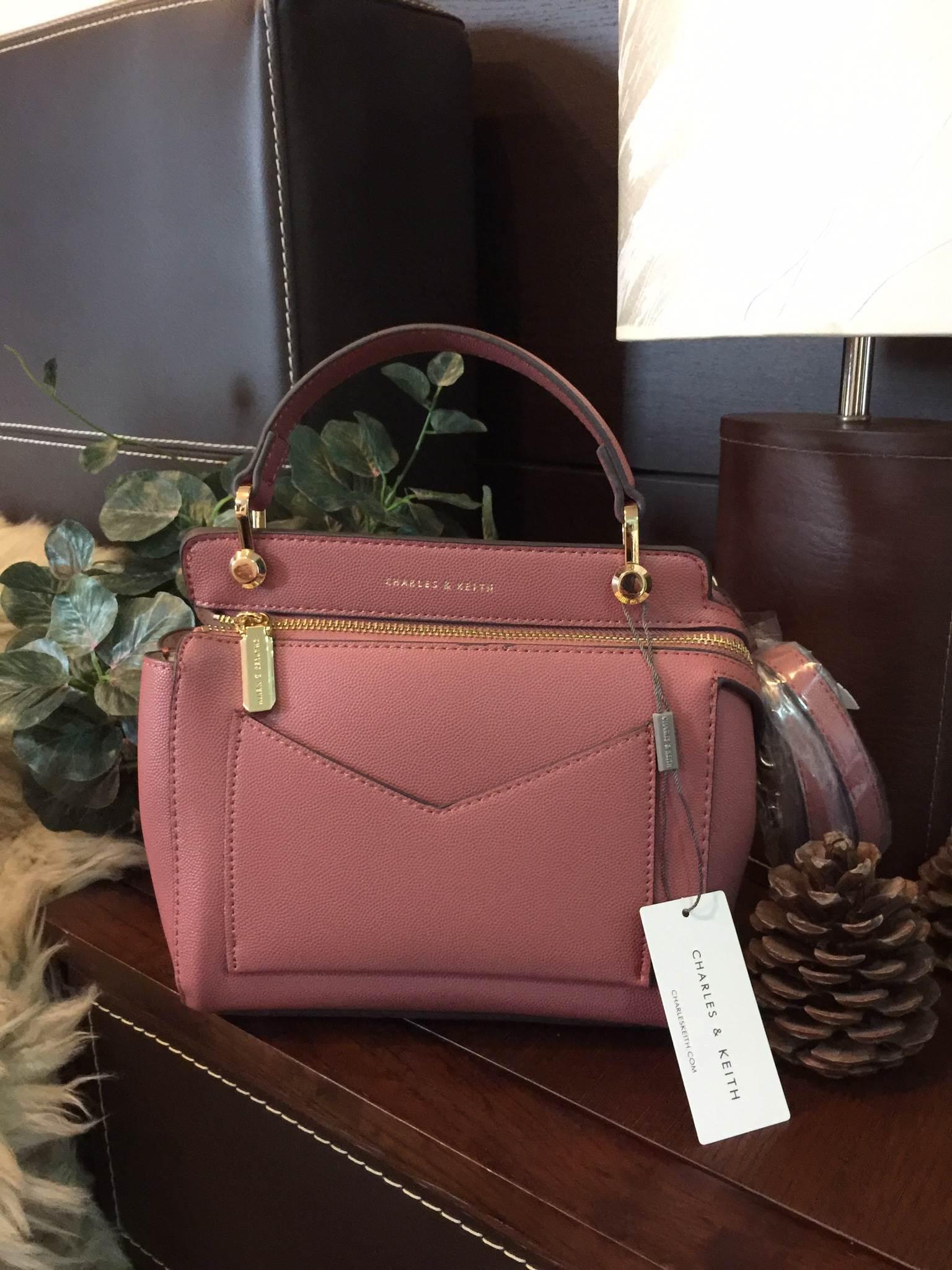 CHARLES & KEITH TOP HANDLE BAG (Size Mini)