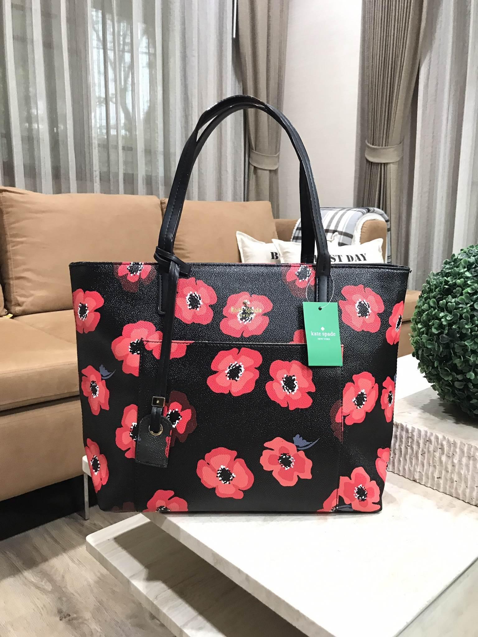 KATE SPADE New York Hyde Lane Poppies Riley Rose Tote Bag *ดำ