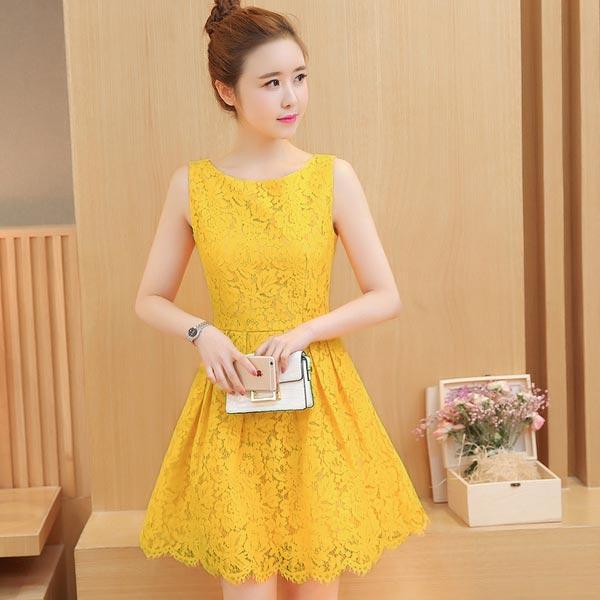 ชุดเดรสลูกไม้สีเหลือง แขนกุด ชุดผ้าลูกไม้สั้นสวยๆ น่ารักๆ แฟชั่นเกาหลี