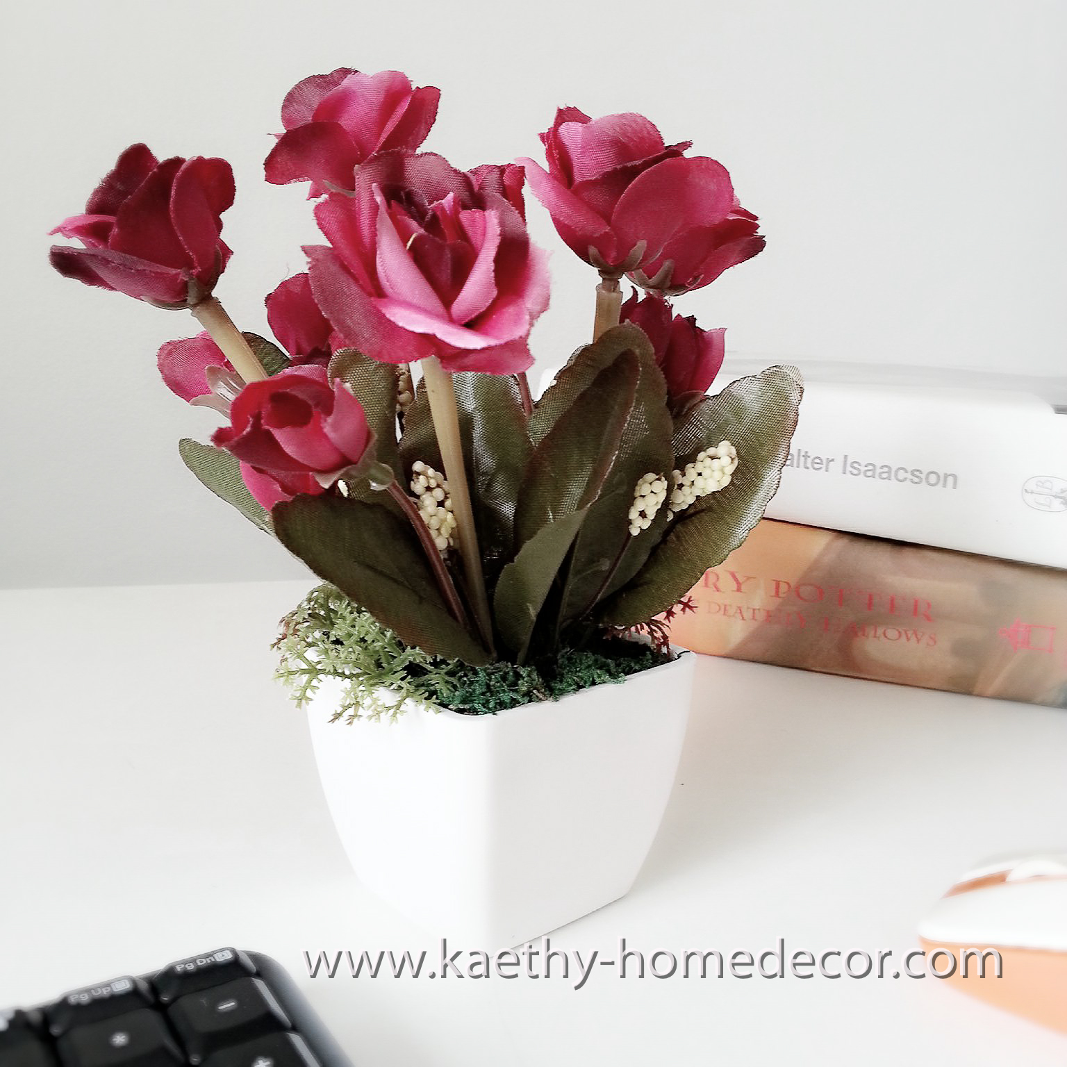 Square flower pot with deep red rose flowers design a square flower pot with deep red rose flowers design a reviewsmspy
