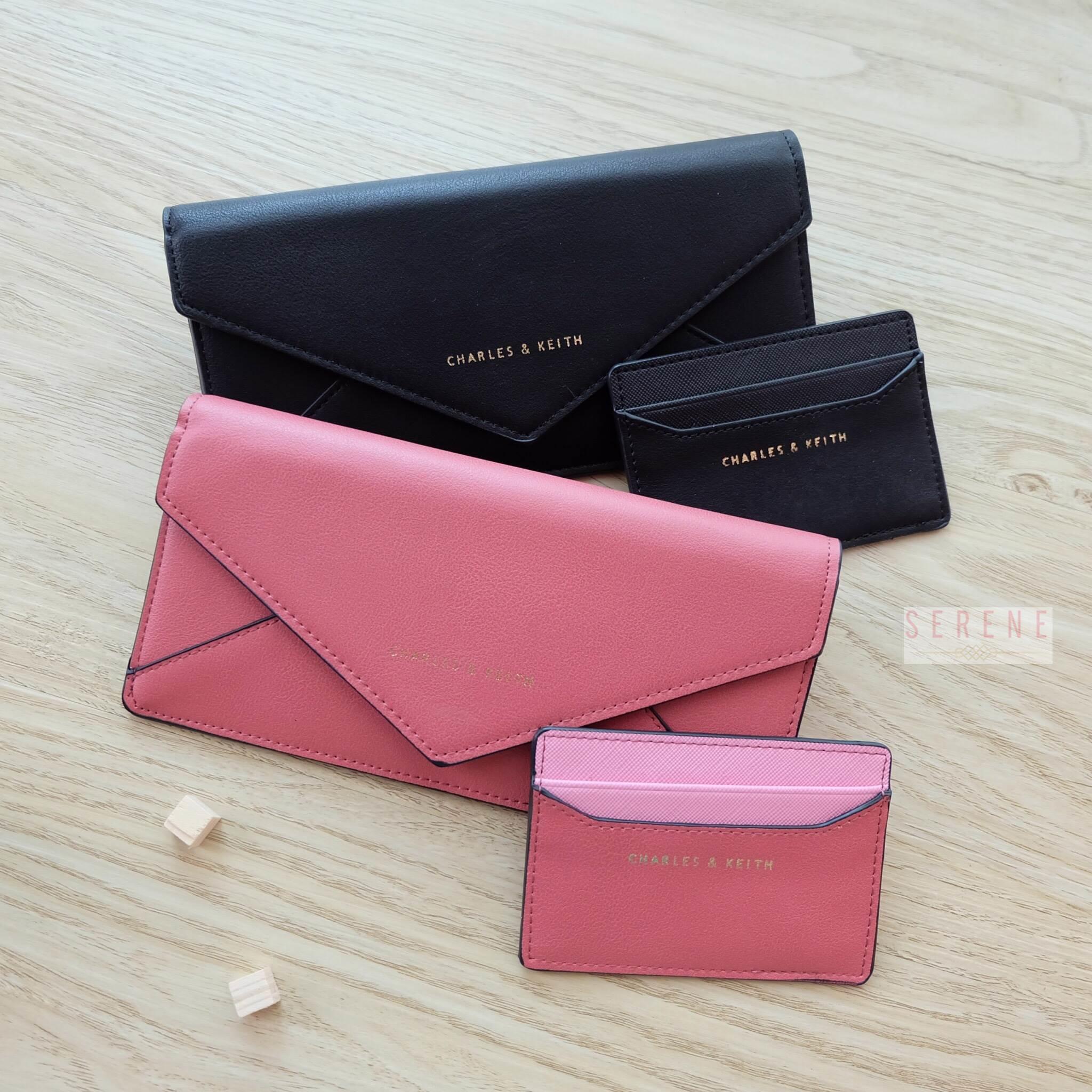 กระเป๋าสตางค์ Charles & Keith Long Envelope Wallet
