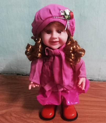 ตุ๊กตาสาวน้อย เสื้อชมพู เต้นได้ มีเสียงเพลง (สินค้ามาใหม่ล่าสุด) ถ้าซื้อ 3 ตัว ราคาส่ง 300