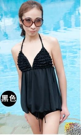 พร้อมส่ง -- สีดำ-- ชุดว่ายน้ำ Tankini เซ็ต2ชิ้น บิกินี่แต่งขอบด้วยพู่สวยๆ สายคล้องคอ ด้านหลังสายผูกดีไซน์เก๋
