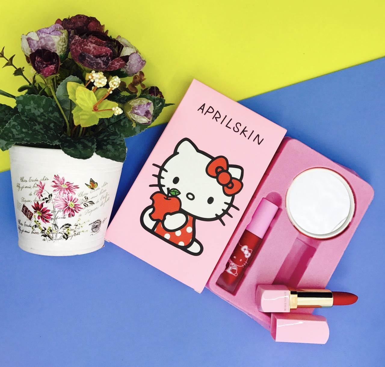 APRIL SKIN Kitty Collection เซตลิปคิตตี้สุดน่ารัก มาพร้อมกระจก4ลายน่ารักสุดๆ ราคาปลีก 120 บาท / ราคาส่ง 96 บาท