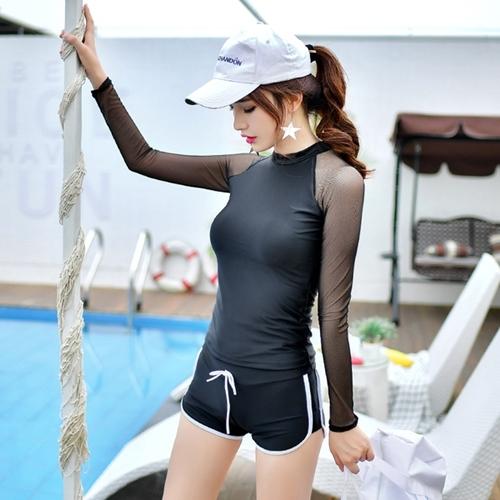 ชุดว่ายน้ำแขนยาว สีดำ แขนขาวผ้าตาข่ายซีทรู