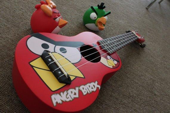 """อูคูเลเลเล่ Ukulele รุ่น Angy Bird Red Concert 23"""" Basswood Aquila ฟรีกระเป๋า"""