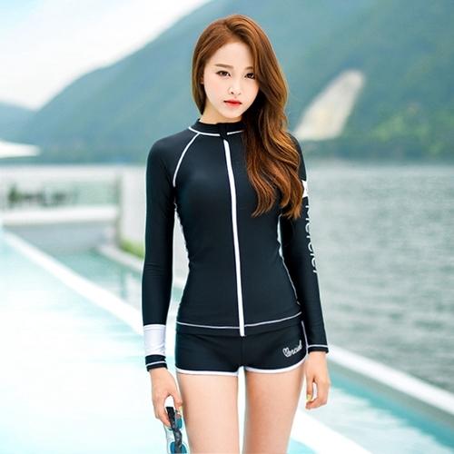 พร้อมส่ง ชุดว่ายน้ำแขนยาวซิปหน้า กางเกงขาสั้น สีดำแต่งขอบขาว ลุคสปอร์ตเท่ห์ๆ