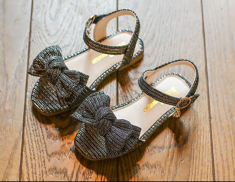 รองเท้าเด็กแฟชั่น สีดำ แพ็ค 5 คู่ ไซต์ 26-27-28-29-30
