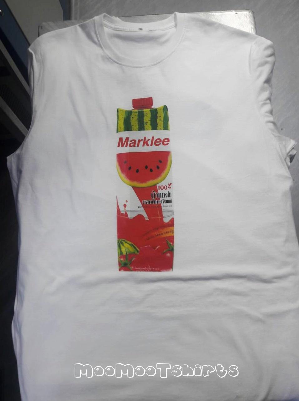เสื้อยืดสีขาวพิมพ์หน้าลายขวดน้ำผลไม้ ลายน่ารักๆ สีสันสดใส ไม่มีขั้นต่ำในการสั่งทำ สกรีนเสื้อ DTG ราคาถูกงานพิมพ์มีคุณภาพดี