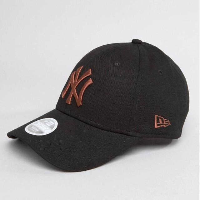 หมวก NEW ERA 9Forty Cap NY ดำ โลโก้สีทองแดง