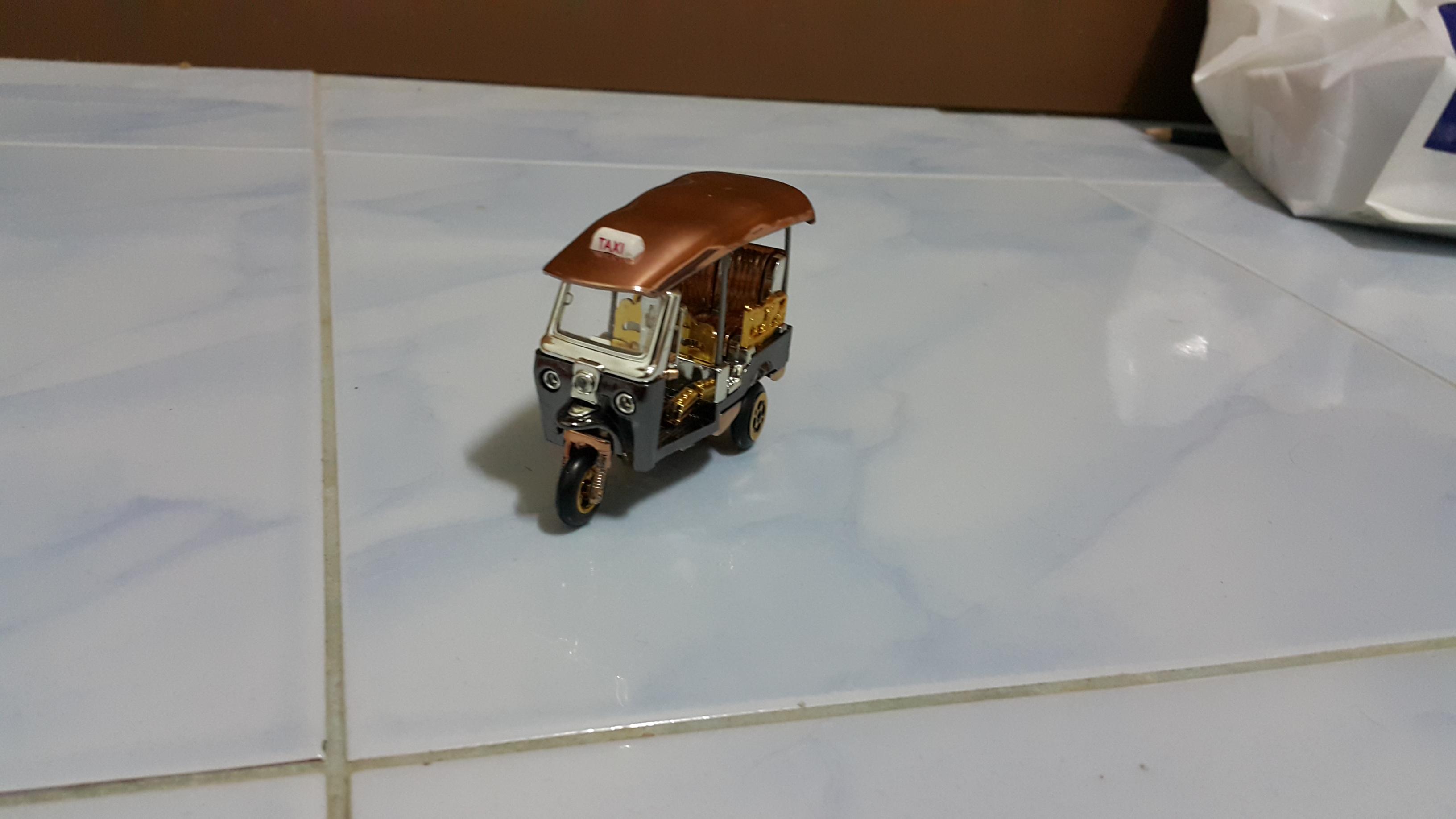 รถตุ๊กจำลอง ของที่ระลึก SIZE S (11907)