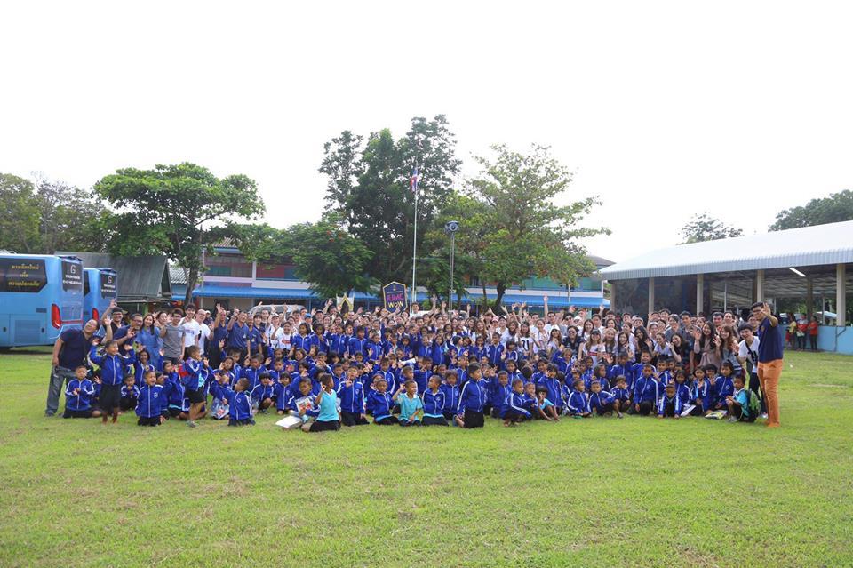 ้เสื้อวอร์มโรงเรียน,เสื้อวอร์ม,เสื้อวอร์มนักเรียน,ชุดวอร์มโรงเรียน,ชุดพละ